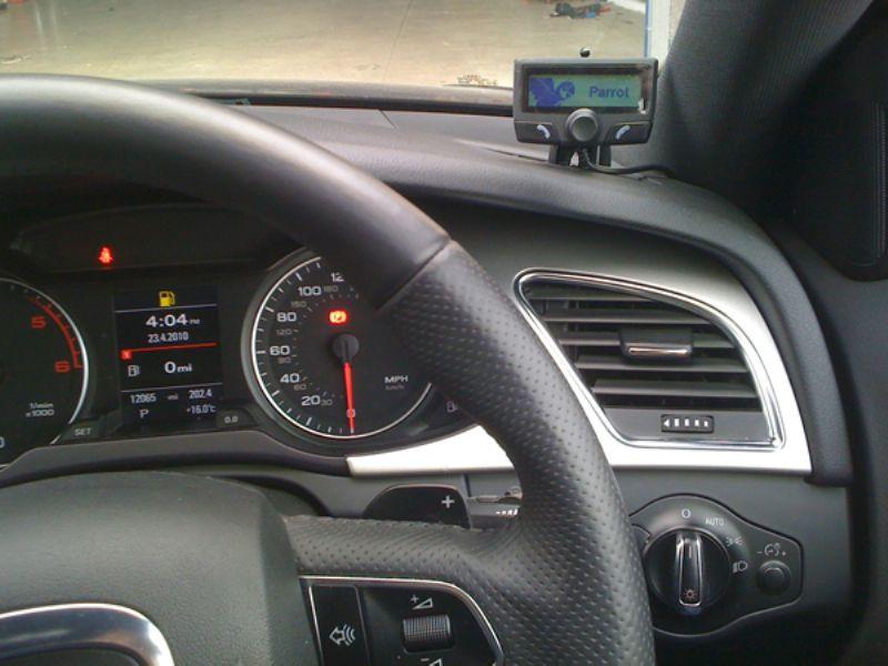 Audi a4 2008 Parrot Ck3100