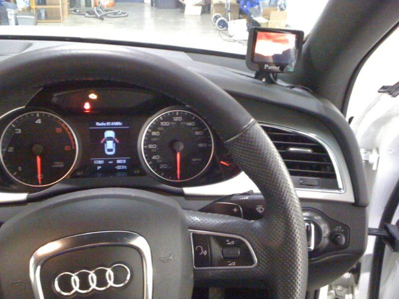 Audi_A4_2008_Parrot_MKi9200