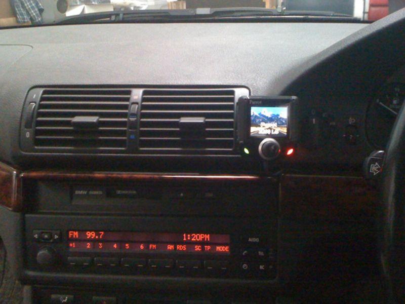 BMW_5_Series_E39_Parrot_CK3200