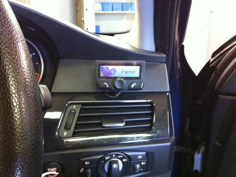 BMW_5_Series_E60-ParrotCK310.JPG