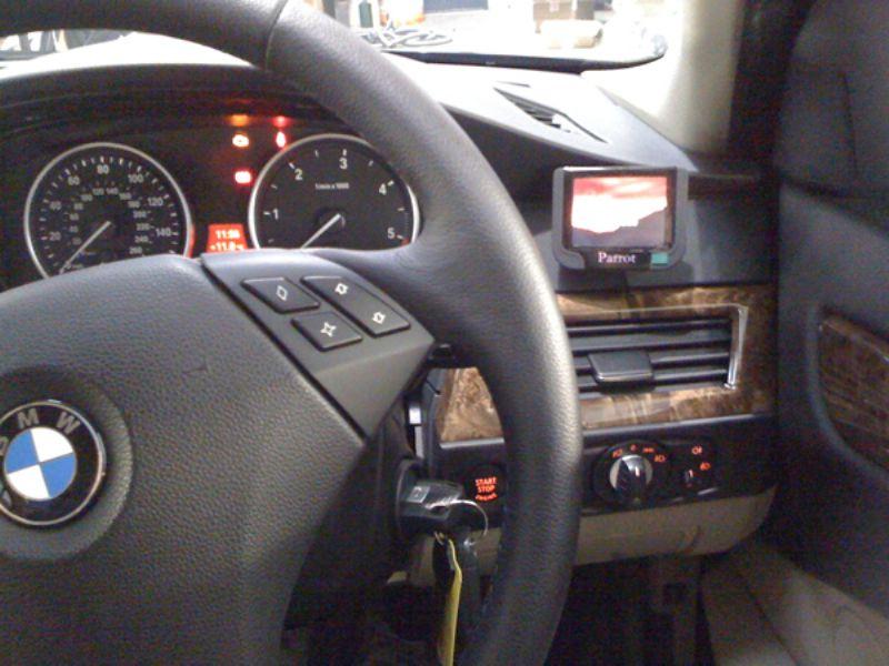 BMW_5_Series_E60_Parrot_MKi9200