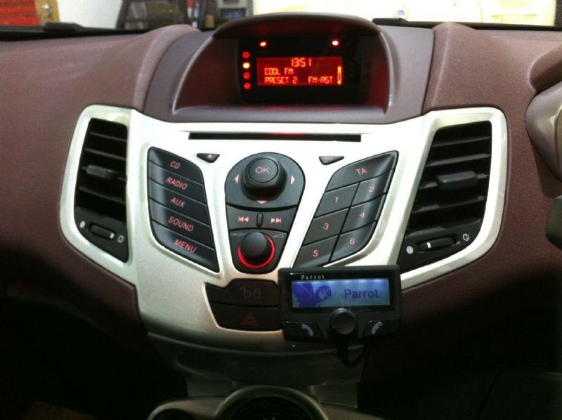 Ford-Fiesta-2011-Parrot-CK3100.JPG