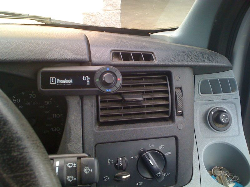 Ford-Transit-2008-Motorola-TK30.JPG