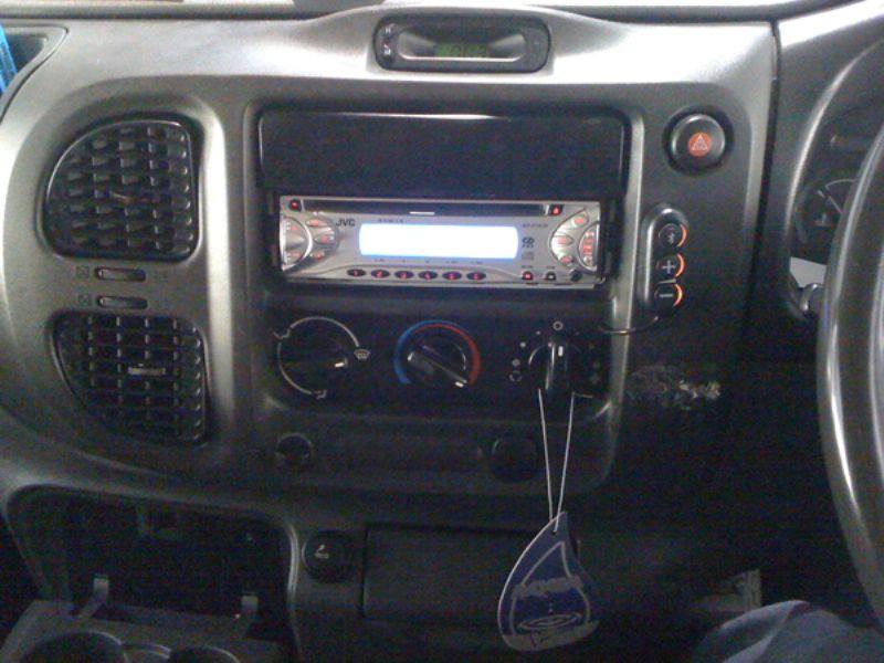 Ford_Transit_2005_THB_Bury_Comfort_Basic_Bluetooth