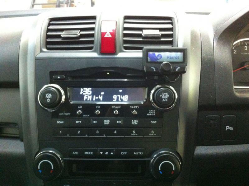 Honda-CRV-2010-Parrot-CK3100.JPG