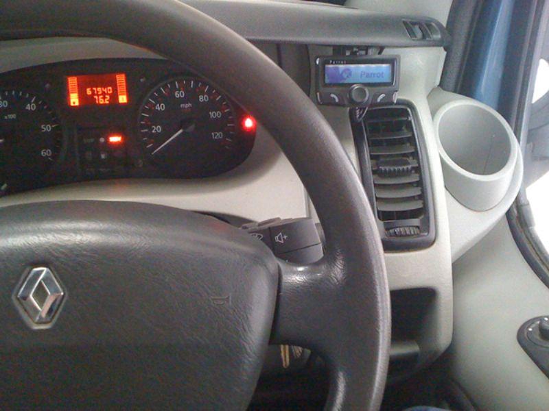 Renault_Traffic_Parrot_CK3100(1)