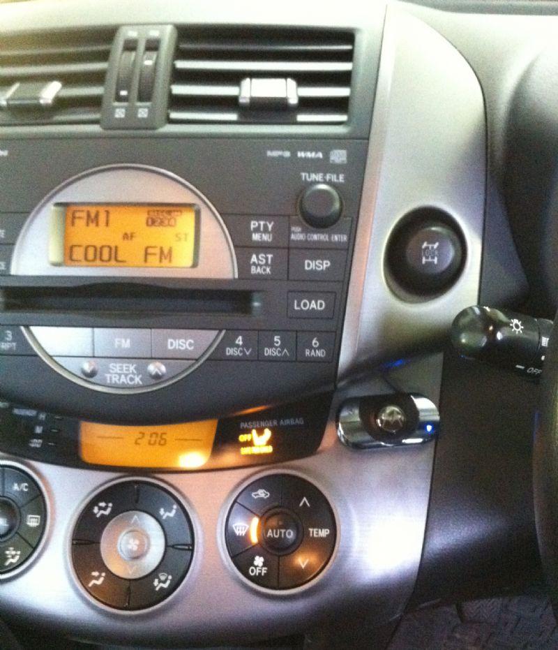 Toyota-Rav4-2010-Motorola-HF850.JPG