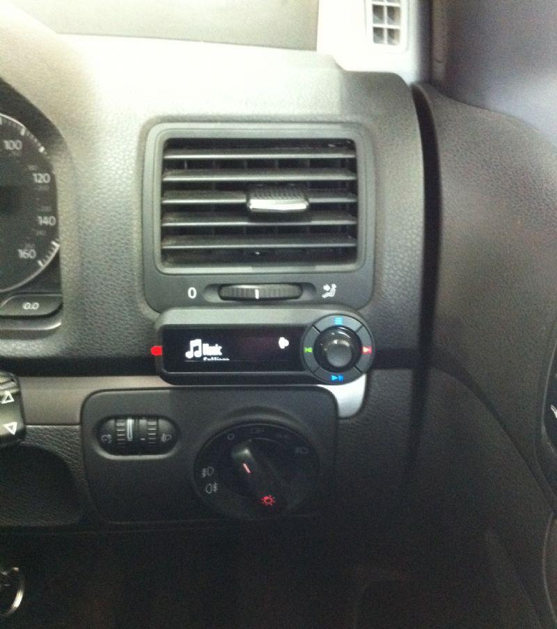 VW-Golf-MKV-Motorola-TK30.JPG