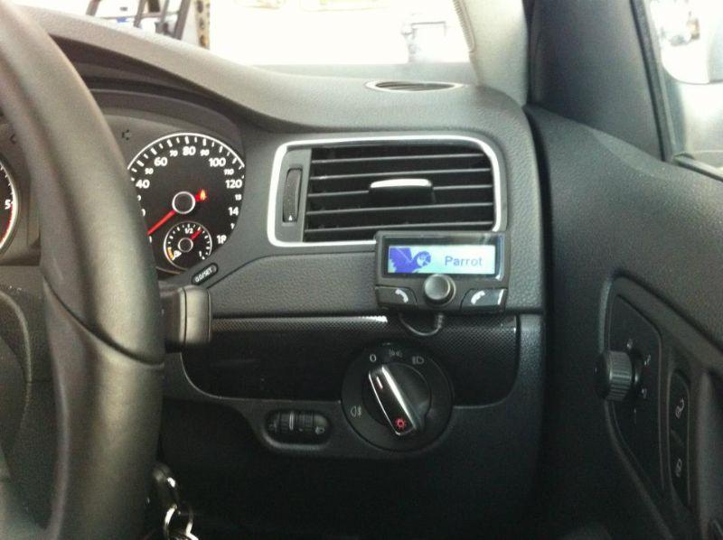 VW-Jetta-2012-Parrot-CK3100