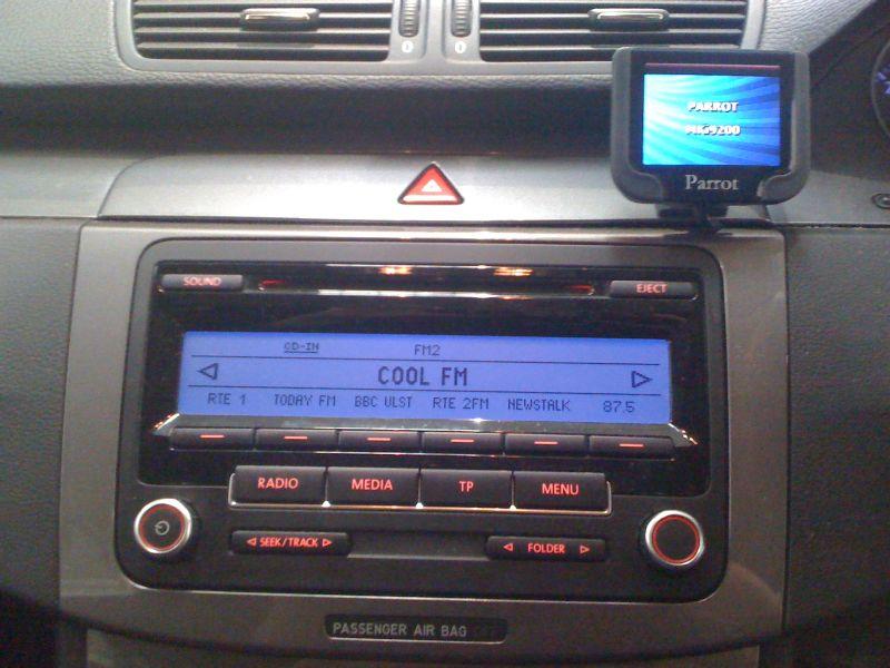 VW-Passat-2011-Parrot-MKi9200.JPG