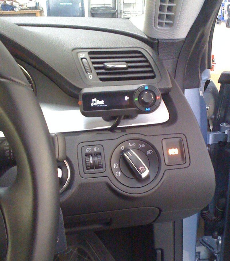 VW-Passat-CC-Motorola-TK30.JPG