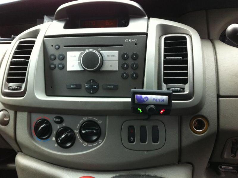 Vauxhall-Vivaro-2007-Parrot-CK3100