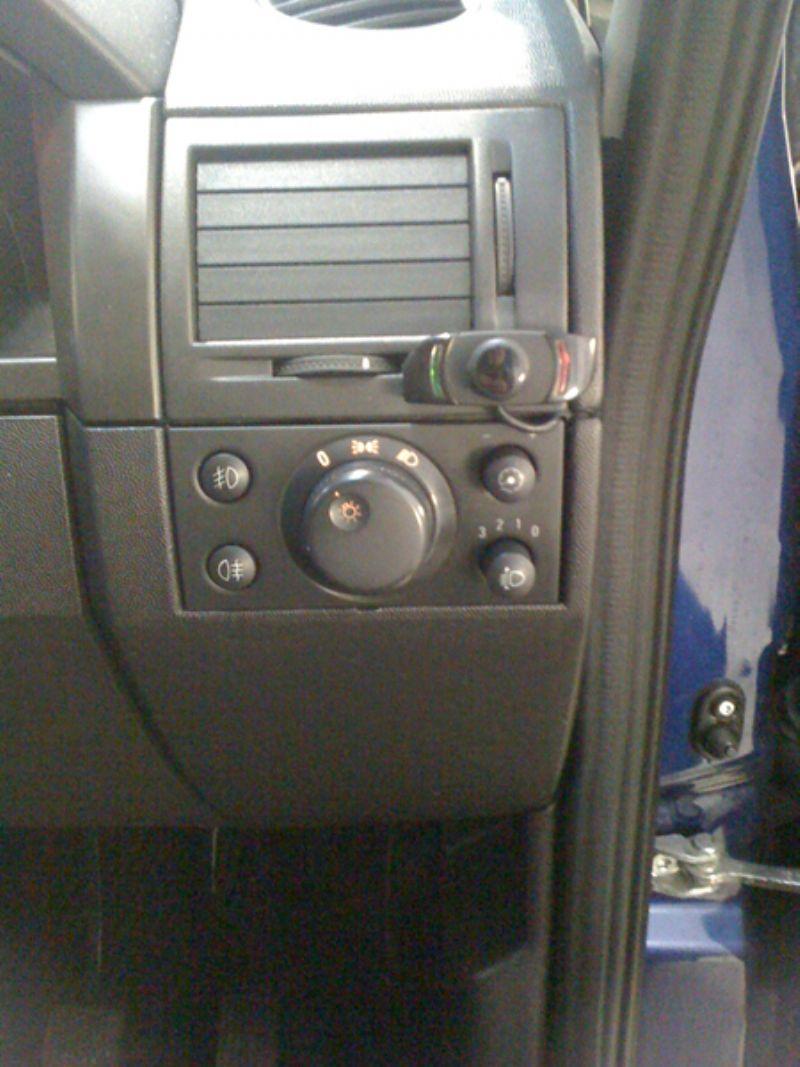 Vauxhall_Meriva_Parrot_CK3000(1)