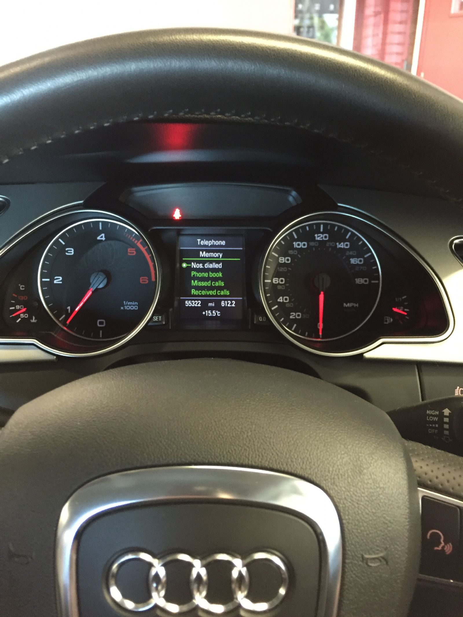 audi_a4_2013_fiscon_kit_-_connected_small_display.JPG