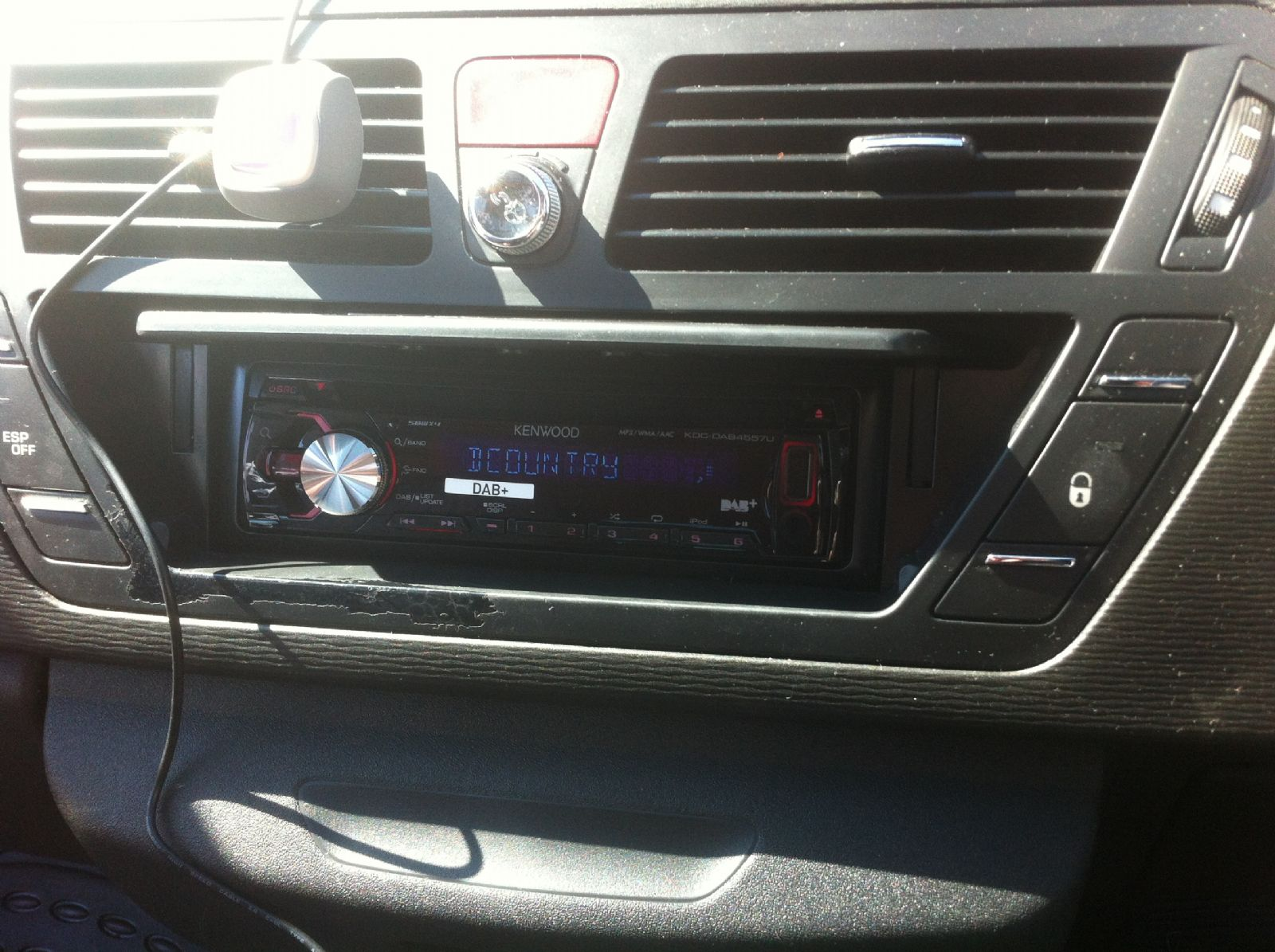 citroen_c4_picasso_kenwood_dab_radio_head_unit.JPG