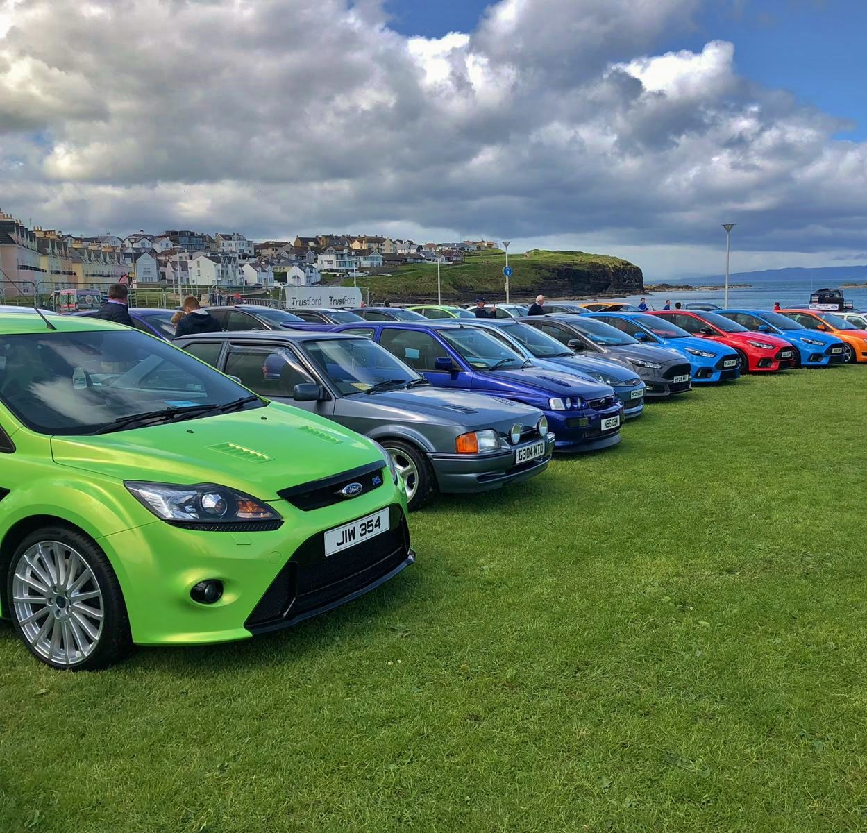 ford_fair_green_rs_focus_and_selection_of_cars.JPG