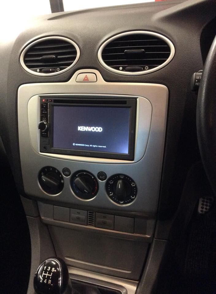 ford_focus_2011_kenwood_ddx4028bt_double_din_head_unit