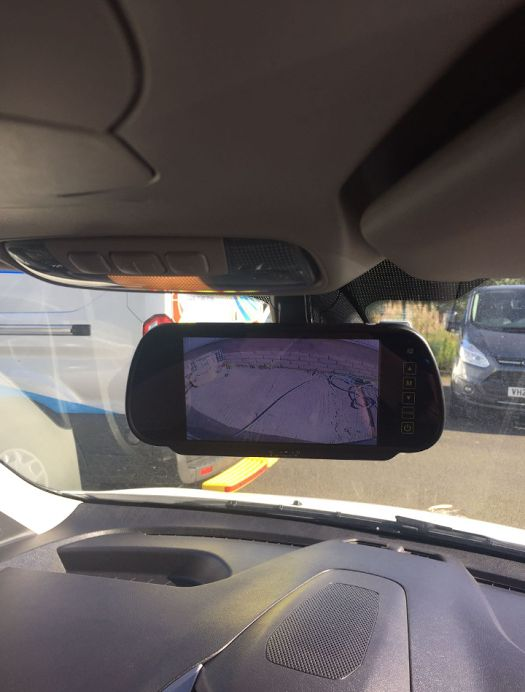 ford_transit_connect_fitted_with_reverse_camera_in_rear_view_mirror