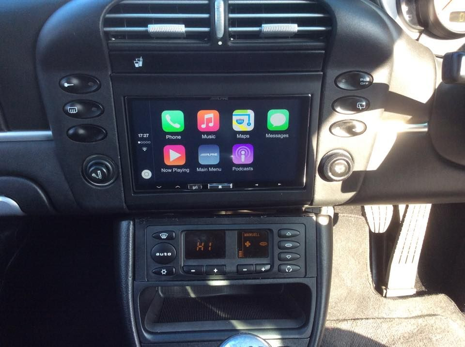 ilx-700_alpine_apple_carplay_fitted_into_2002_porsche_911_996_after
