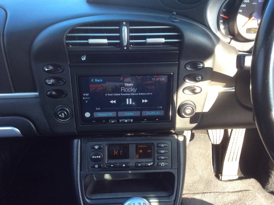 ilx-700_alpine_apple_carplay_fitted_into_2002_porsche_911_996_after_picture