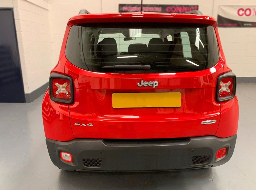 Jeep Renegade - Back up sensors fitted in matte black