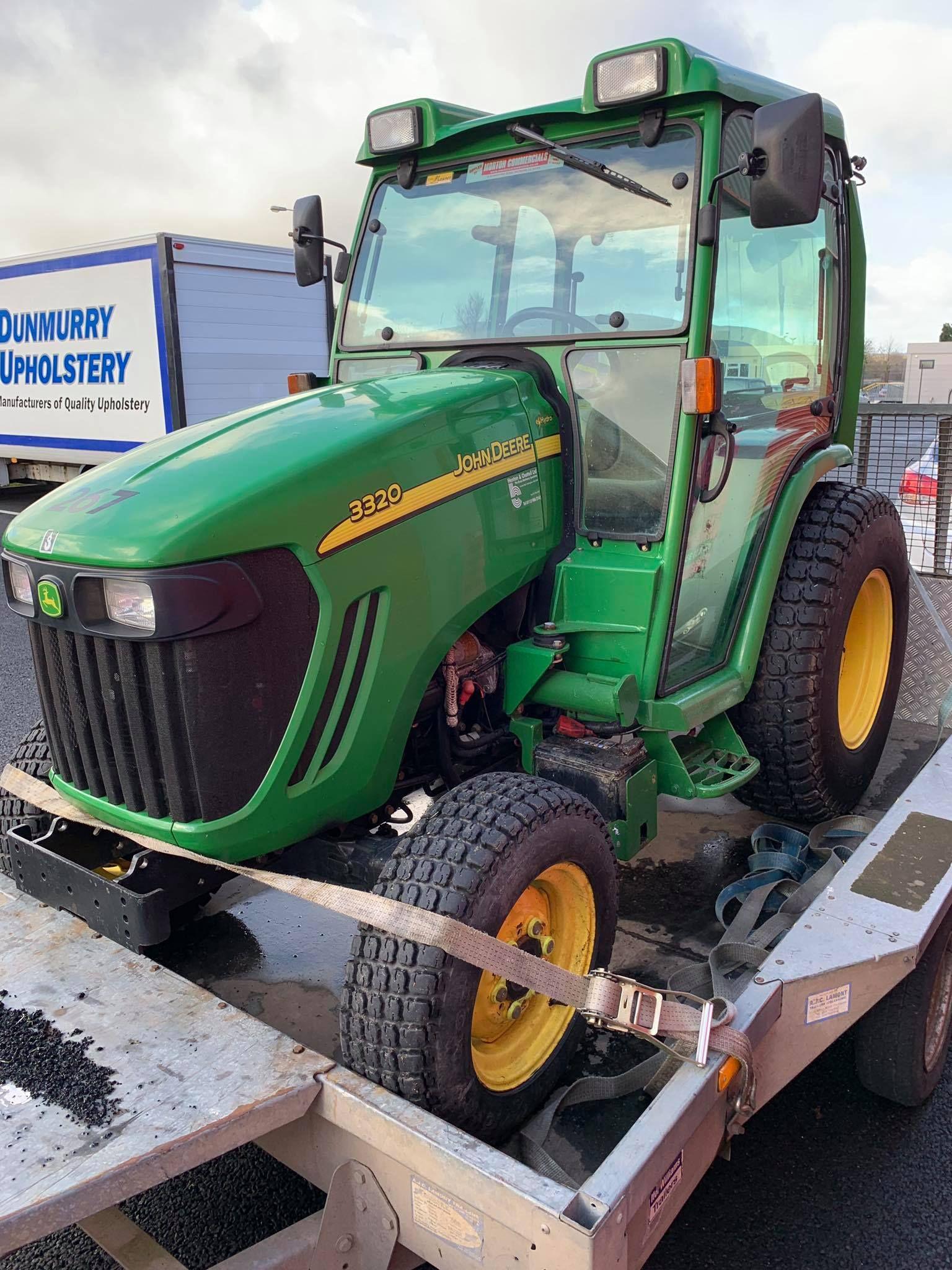 John Deere tractor 3320 before installing radio