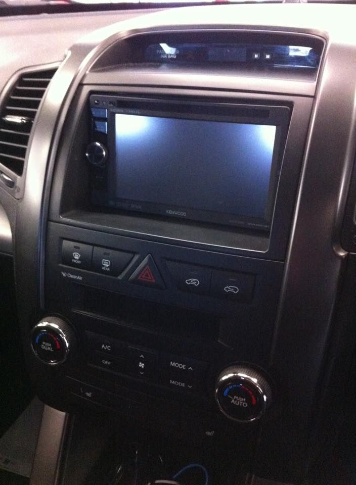 kia_sorento_fitted_with_kenwood_dnx450bt