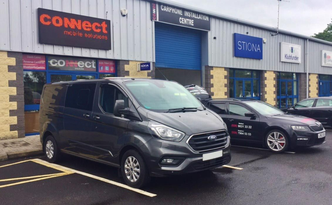 Ford transit 2018 in for reverse camera