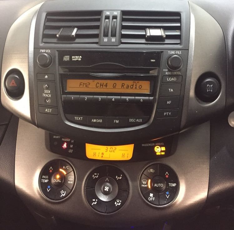 totoya_rav_4_standard_radio_upgraded_to_apple_car_play__android_auto_kenwood_head_unit_(3)