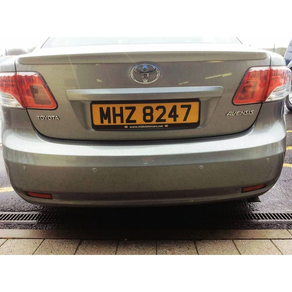 toyota_avensis_parking_sensors