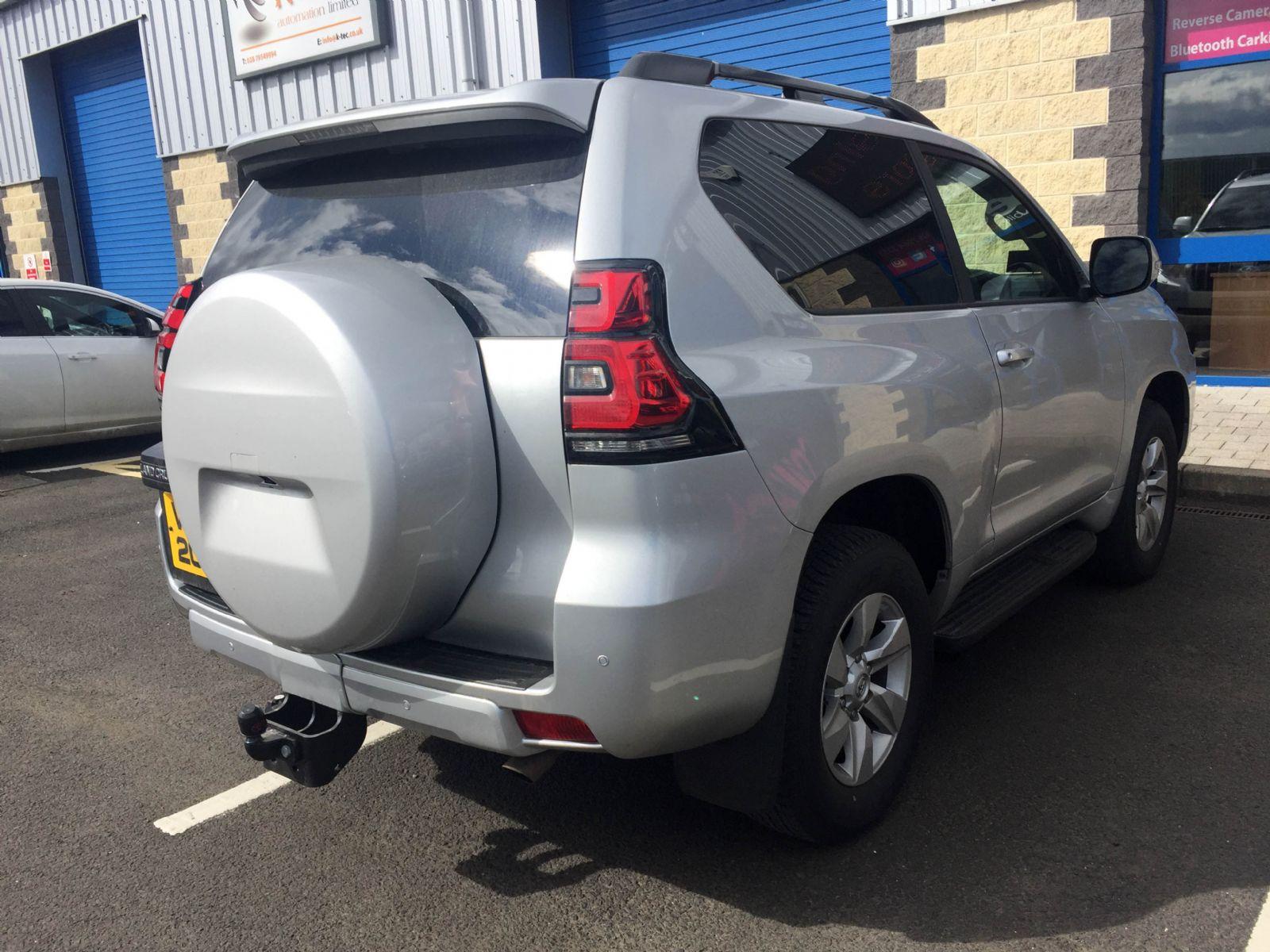 Toyota Landcruiser with back up sensors