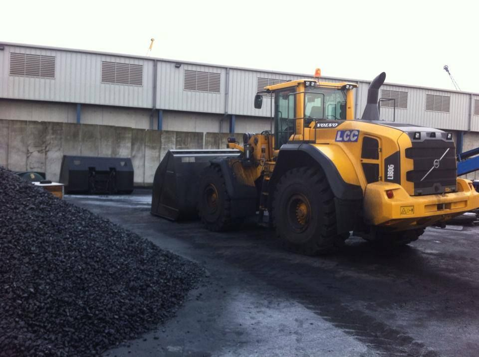 volvo_loading_shovel_lcc_fitted_with_2-way_radios