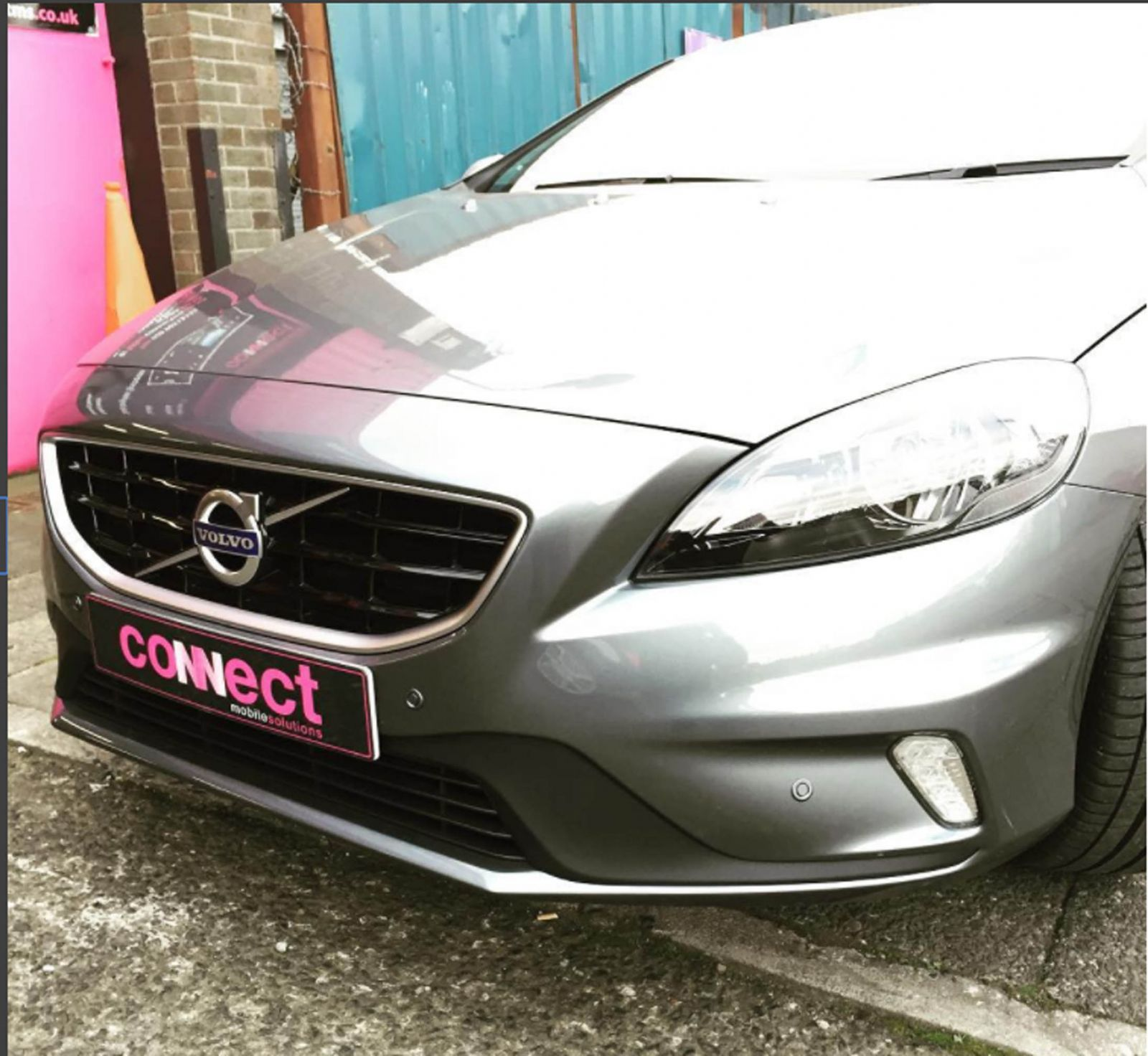 volvo_with_front_parking_sensors_installed